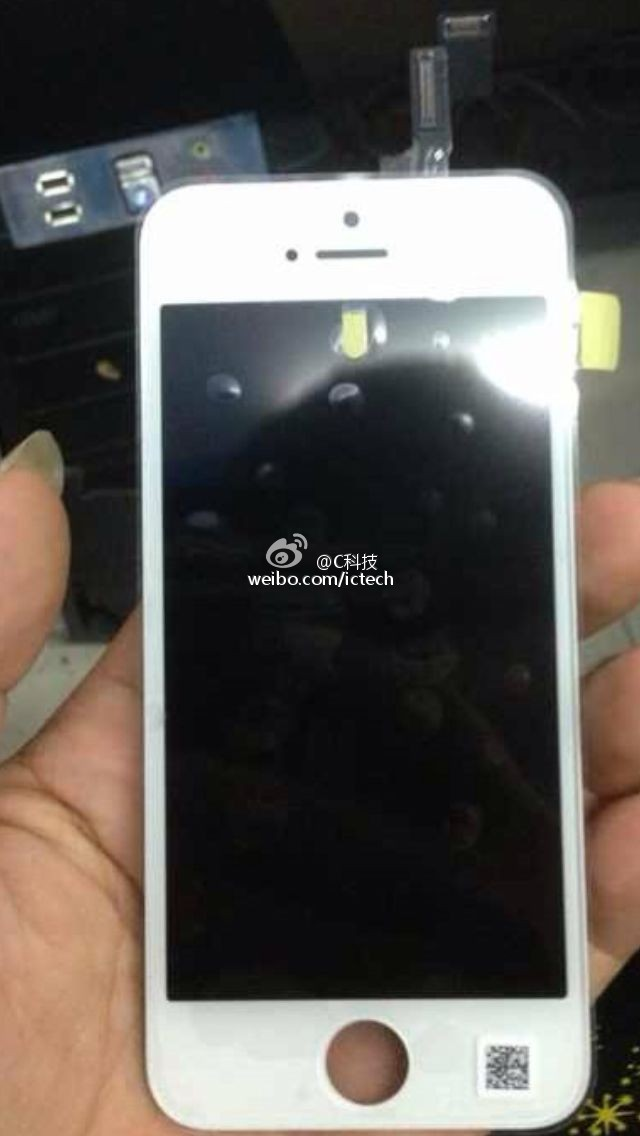 Apple-iPhone-5C-leaks-out-and-now-its-more-than-just-a-plastic-shell (1)